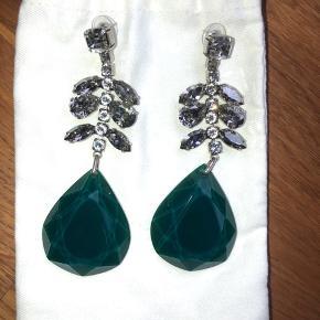 Smukke øreringe fra Isabel Marant - brugt en gang. Prisen er fast og jeg bytter ikke. Vh Mette