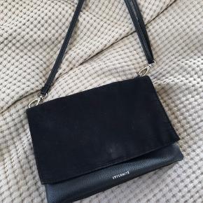 Crossbody taske fra hm, rigtig lækkert design.