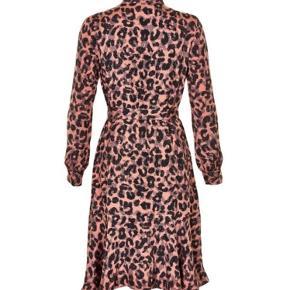 PART TWO Elvira dress str.40