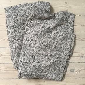 Ugle sengetøj i voksen str 140x200cm Pudebetræk er blevet vasket lidt mere end dynebetræk, så de er falmet lidt mere i farven. Bytter ikke så lad venligst være med at spørge