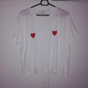 T-shirt fra Na-kd. STR s 30 kr 😊