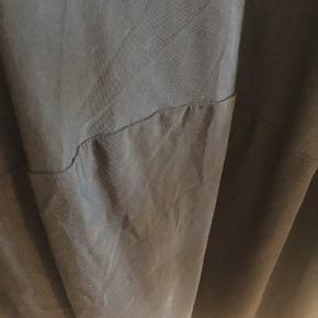 COS klassikere. Smuk kjole der kan bruges til alt fra job til galla. Med lommer.