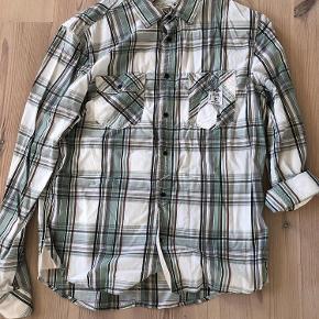 Varetype: Skjorte Farve: Ternet Oprindelig købspris: 700 kr.