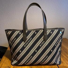 Givenchy Weekendtaske