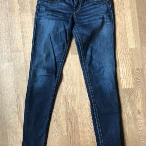 Næsten nye jeans str. 27
