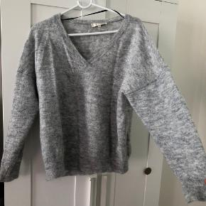 Uld sweater fra Selected.
