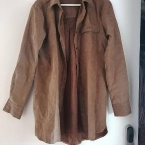 Velour camel shirt from mBym. Soft to the touch and a tad oversized.