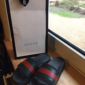 Lækre Gucci flip flops Str 42 De er rimelig slidte som ses på billederne