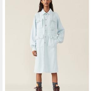 Soft denim kjole fra Gannis nye kollektion. Np 2100, i butikkerne nu