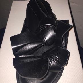 Cedric Charlier sandaler