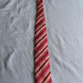 HUGO BOSS slips