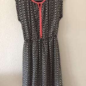 Onetwo kjole