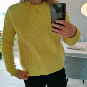 Fineste gule strik fra Envii ☀️ Virkelig godt holdt! Kun vasket i hånden - ikke vaskemaskine 😊