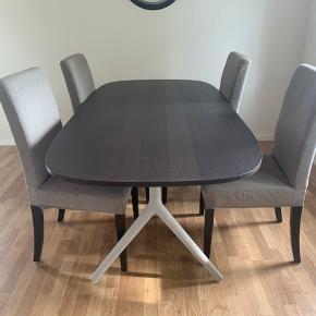 Fin spisebord + 4 stole sælges.  190 lang, og 90 bred.