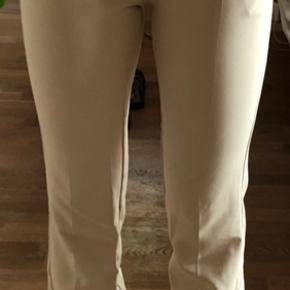 Beige bukser fra Neo Noir str. xs. Fitter str. xs-s.