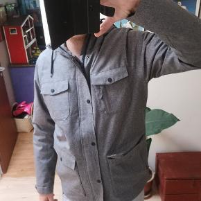 9becaf243d4 Ny kilmanock jakke str l. Købt på ophørsauktion. Den billige pris skyldes  små huller
