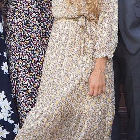 Sælger denne smukke kjole som kun er brugt en enkelt gang til et guldbryllup
