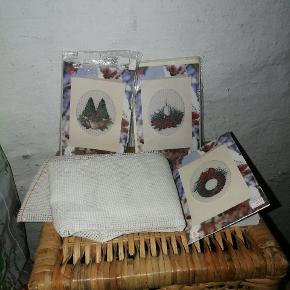 Blandet garn til blandt andet brodering samt små broderisæt med mønster til eksempelvis julekort.