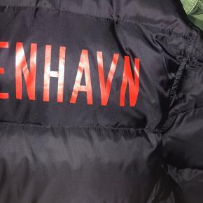 Cond 9,5/10, lækker jakke med nypris 3.000 kr,-