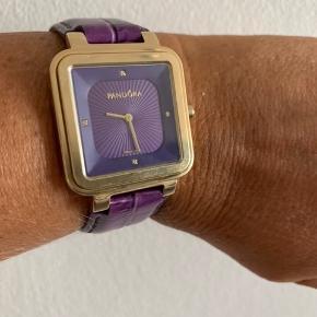 Pandora ur.  Uret skal have nyt batteri.