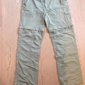 Varetype: Bukser Farve: Army Oprindelig købspris: 500 kr.  Safaribukser lys khaki.