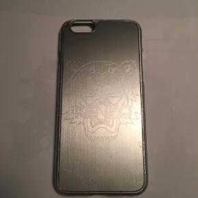 Varetype: Cover Størrelse: 6s Farve: Sølv Oprindelig købspris: 300 kr.  Lækkert cover Kenzo  Sølv  IPhone 6 s