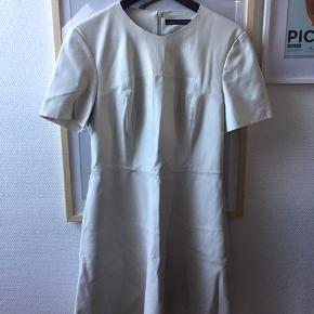 Læderlook kjole fra Zara. Str L. Lille i størrelsen.  🌸🌸