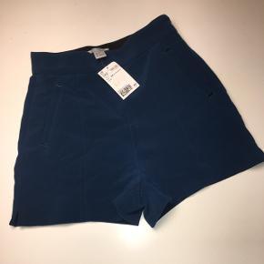 Blå shorts Købt på tilbud til 100kr
