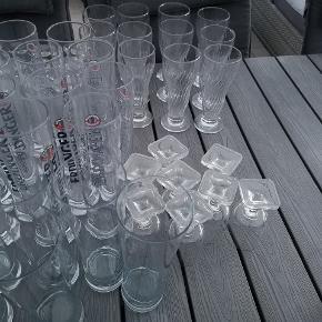 Forskellige glas. Alt eller intet. Husk selv at tage kasser med.