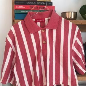 Flot stripet retro crop t-shirt Aldrig brugt Se også mine andre annoncer Np: 300 - kom med et bud