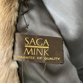 Sagafurs pels- & skindjakke
