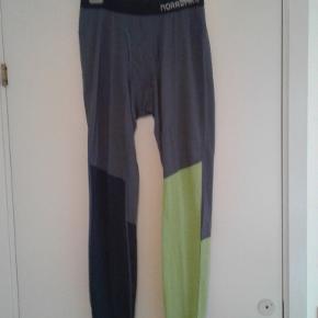 Lækre lange underbukser fra Norske Norrøna.  Til herrer.  Aldrig brugt. Stadig i indpakning.  Suveræn kvalitet.  PRISEN FORHANDLES IKKE.