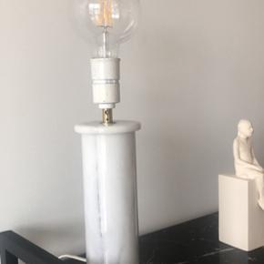 Marmor bordlampe  Skal hentes i Risskov
