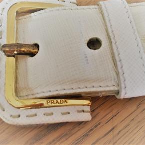 PRADA bælte hvid læder, 4 cm bred, huller passer til livvidde 84-94 cm