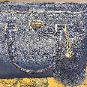 Lækker velholdt Michael cors taske sælges ,tasken fremstår meget pæn med meget lidt brugstegn...