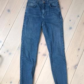 Fede jeans - se billede nr. 2 for størrelse.  Næsten som ny.