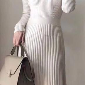 Strik kjole fra ByBjørk