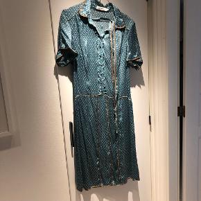 By Groth anden kjole & nederdel