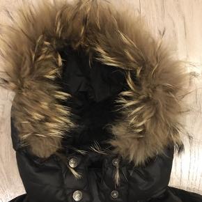 Skøn varm vinterfrakke , np 3600kr