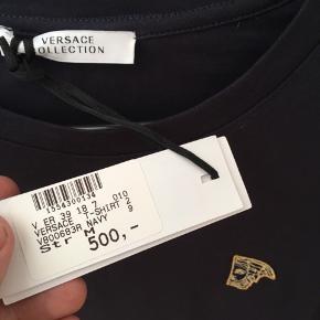 Hvad er i villige til at give for en helt ny versace t-shirt?