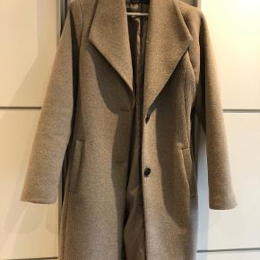 Selected trenchcoat