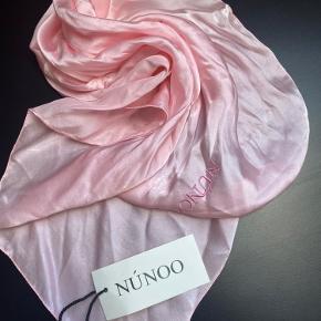 Nunoo tørklæde