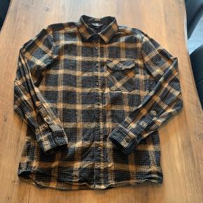 Volcom skjorte