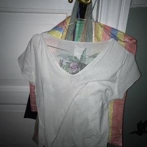Sælger denne søde T-shirt fra zadig et vlotair. Ny prisen var 750 kr.