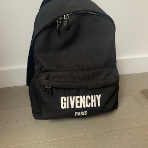 Givenchy anden accessory