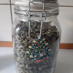 Glas med patentlåg og julemotiv. Kan afhentes i Valby eller sendes.