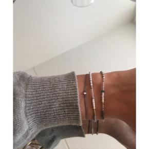 Anni Lu armbånd i grøn og grå (købspris i butik 350kr)*æske følger ikke med   Line & Jo snor armbånd med en 0.02 diamant (købspris i butik 900kr)  ÅBEN FOR BUD - BYTTER IKKE  💈Mp: Anni Lu 160kr pr stk. Line & Jo 250kr inkl fragt (jeg betaler). Mængderabat gives💈