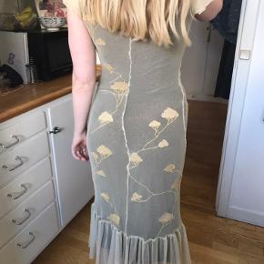 By Groth kjole.  Størrelse S.  Brugt få gange så i rigtig god stand.