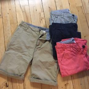 4 par shorts (chinoes) ingen pletter ingen huller.