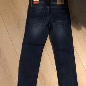 Nye tommy Hilfiger jeans mp 200kr